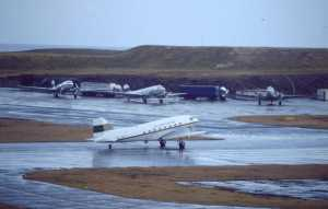EGPB 6.1.93 pollutioncontrol DC3s at Sumburgh after Braer disaster