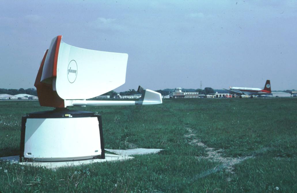 hh-acr430-danair-hs748-1980s[1]