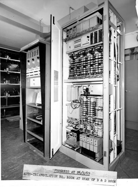 dandd-desks-and-rack-2