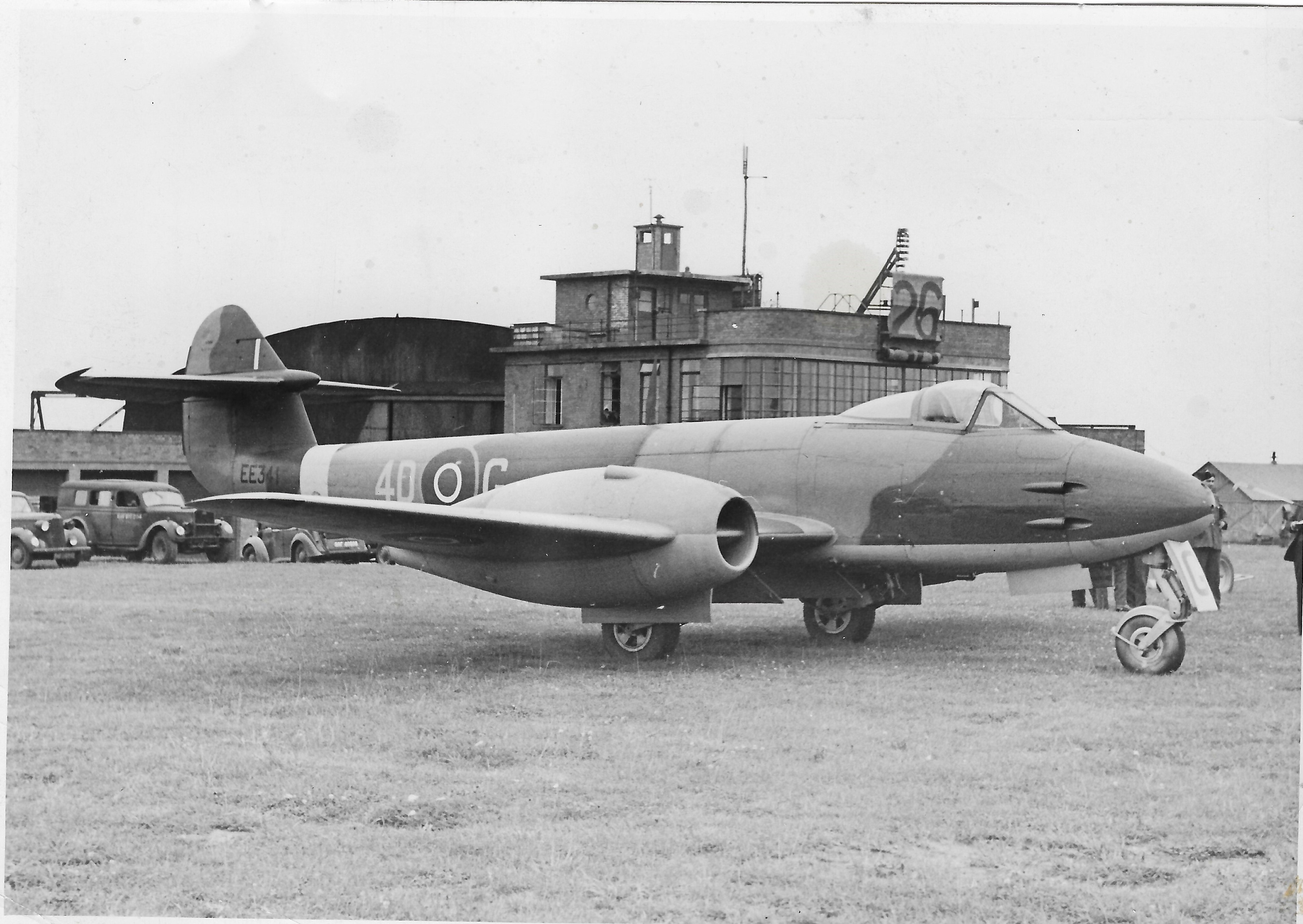 Gloster Meteor F.III EE341 of No. 74 Sqn in the summer 1945. 1947